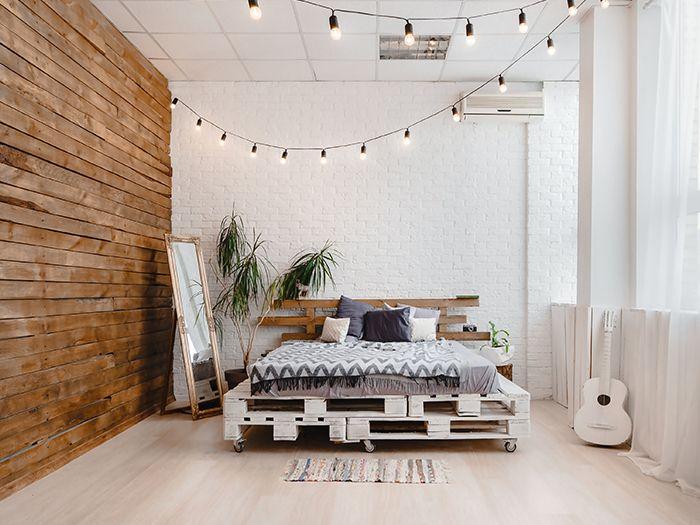 インテリアの可愛らしい寝室